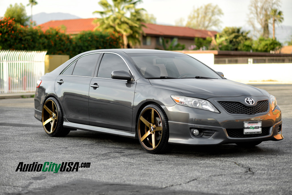 2011 toyota camry lowered on str 607 wheels autospice. Black Bedroom Furniture Sets. Home Design Ideas