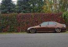 Lexus IS 400 slammed on custom wheels