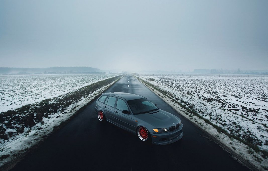 BMW E46 slammed on Work Rezax 2 wheels