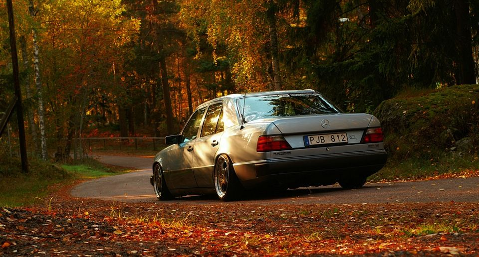 Mercedes W124 on Classic RH wheels